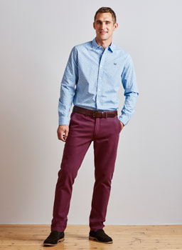 Slim Fit Chinos in Dark Boysenberry