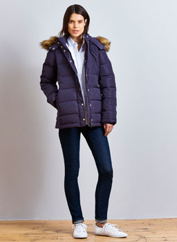 Short Down Jacket in Blackcurrant