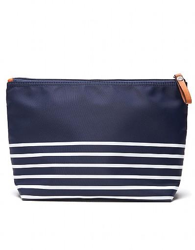 Stockists of Bailey Essentials Bag