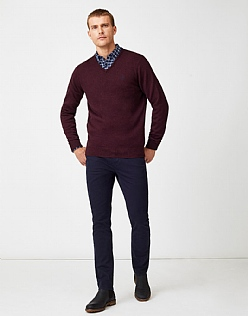 Foxley V Neck Jumper in Damson