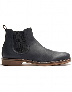 Chelsea Boot in Black