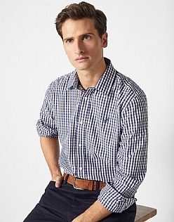 Crew Classic Fit Gingham Shirt in Navy