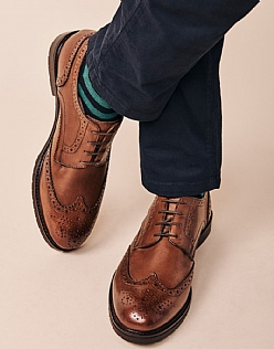 Classic Brogue in Tan