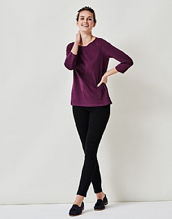 Cassie T-Shirt in Dark Aubergine